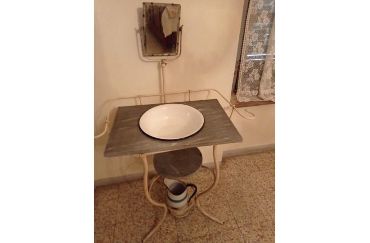 Antico lavabo