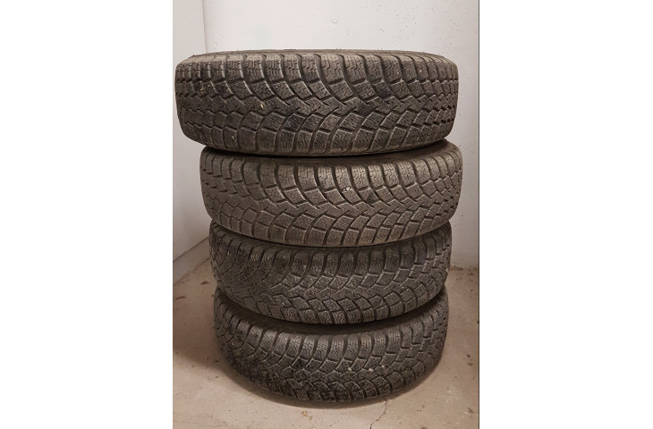 4 gomme antineve