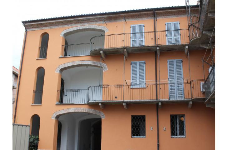 Vendita appartamento signorile in centro storico a voghera
